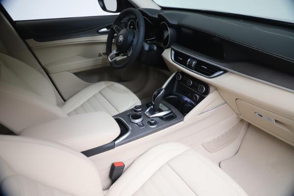 New 2021 Alfa Romeo Stelvio Ti Lusso Q4 for sale Call for price at Bugatti of Greenwich in Greenwich CT 06830 19
