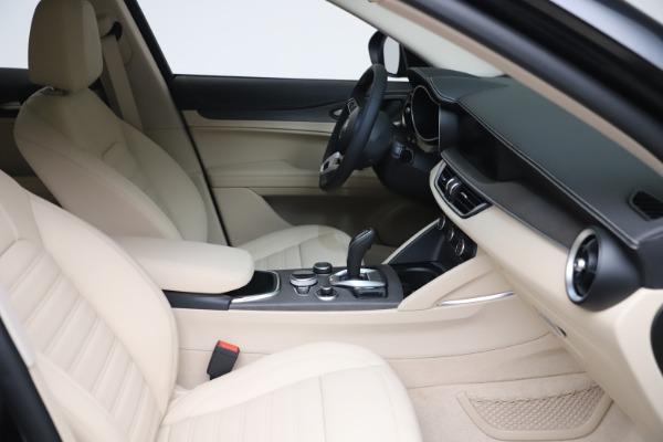 New 2021 Alfa Romeo Stelvio Ti Lusso Q4 for sale Call for price at Bugatti of Greenwich in Greenwich CT 06830 20