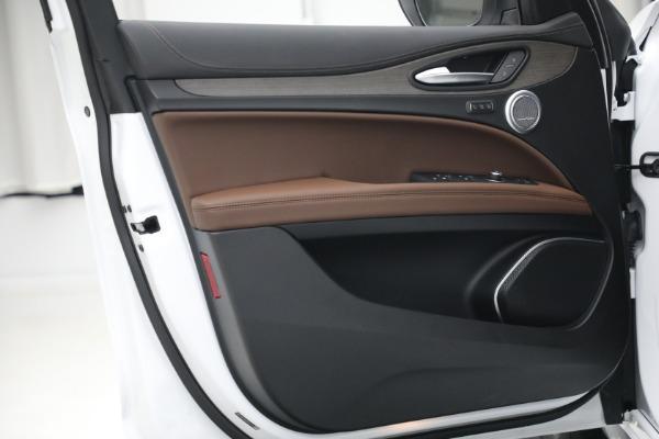 New 2021 Alfa Romeo Stelvio Ti Q4 for sale $54,840 at Bugatti of Greenwich in Greenwich CT 06830 21