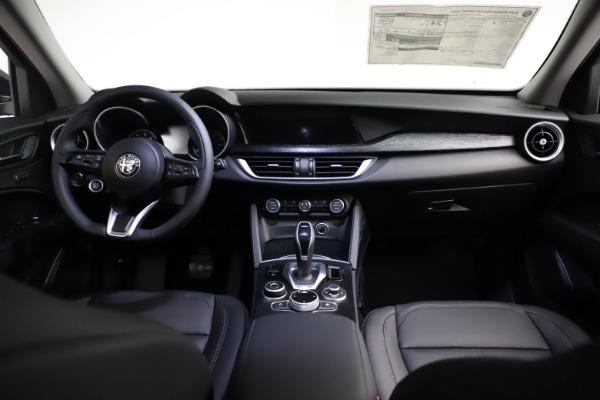 New 2021 Alfa Romeo Stelvio Q4 for sale $50,535 at Bugatti of Greenwich in Greenwich CT 06830 19
