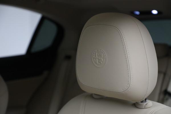 New 2021 Alfa Romeo Stelvio Ti Q4 for sale Sold at Bugatti of Greenwich in Greenwich CT 06830 16