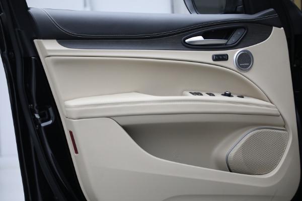 New 2021 Alfa Romeo Stelvio Ti Lusso Q4 for sale $57,400 at Bugatti of Greenwich in Greenwich CT 06830 13