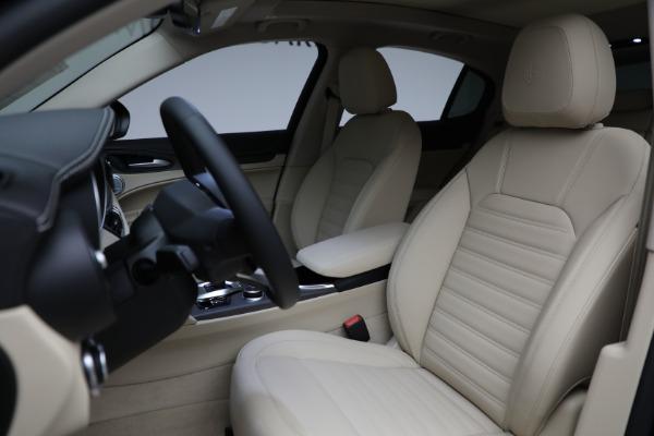 New 2021 Alfa Romeo Stelvio Ti Lusso Q4 for sale $57,400 at Bugatti of Greenwich in Greenwich CT 06830 17
