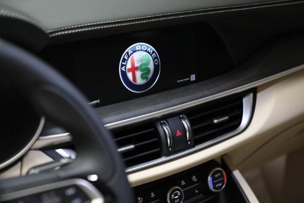 New 2021 Alfa Romeo Stelvio Ti Lusso Q4 for sale $57,400 at Bugatti of Greenwich in Greenwich CT 06830 21