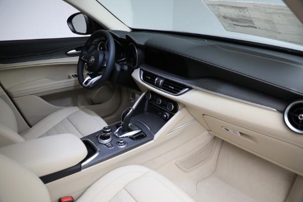 New 2021 Alfa Romeo Stelvio Ti Lusso Q4 for sale $57,400 at Bugatti of Greenwich in Greenwich CT 06830 28