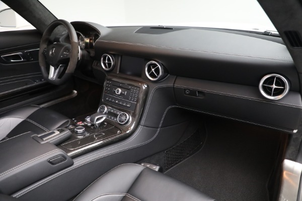 Used 2012 Mercedes-Benz SLS AMG for sale $159,900 at Bugatti of Greenwich in Greenwich CT 06830 18