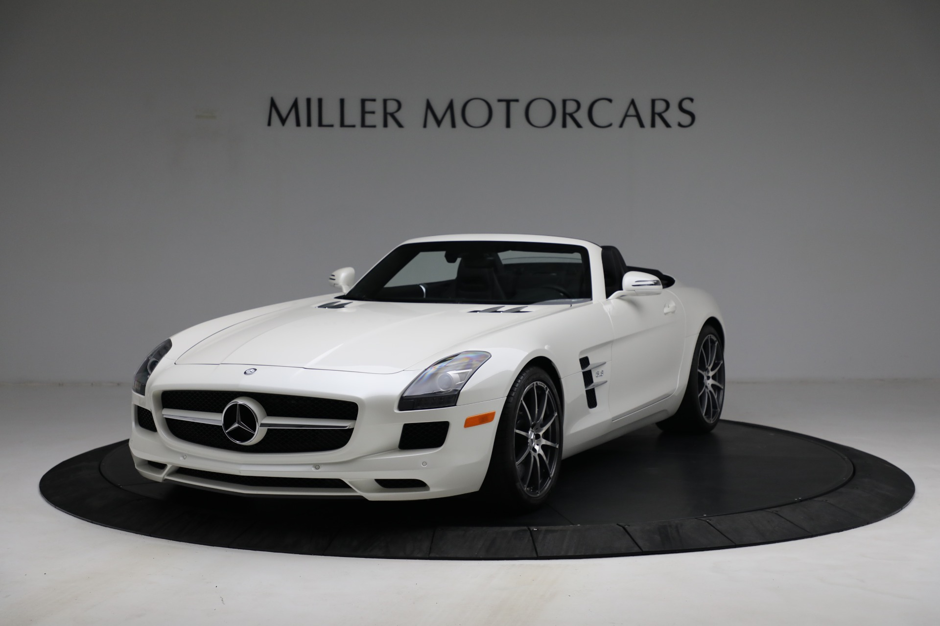 Used 2012 Mercedes-Benz SLS AMG for sale $159,900 at Bugatti of Greenwich in Greenwich CT 06830 1