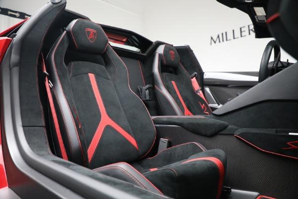 Used 2017 Lamborghini Aventador LP 750-4 SV for sale $599,900 at Bugatti of Greenwich in Greenwich CT 06830 24