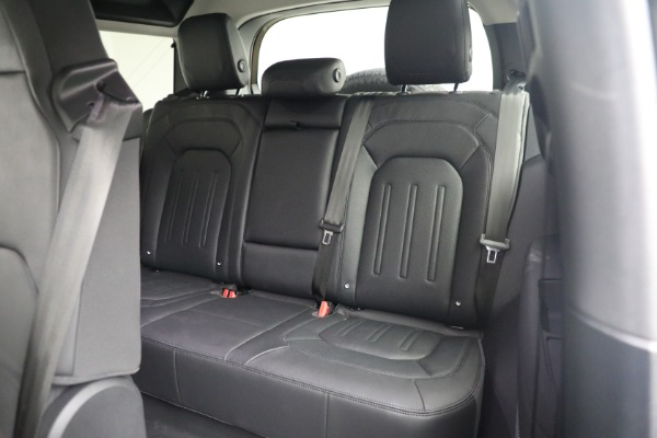 Used 2021 Land Rover Defender 90 First Edition for sale $69,900 at Bugatti of Greenwich in Greenwich CT 06830 19