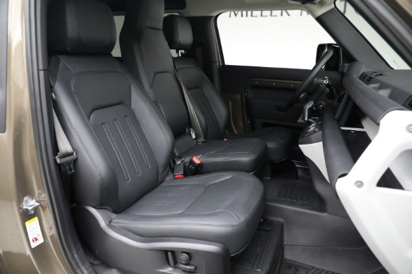 Used 2021 Land Rover Defender 90 First Edition for sale $69,900 at Bugatti of Greenwich in Greenwich CT 06830 23