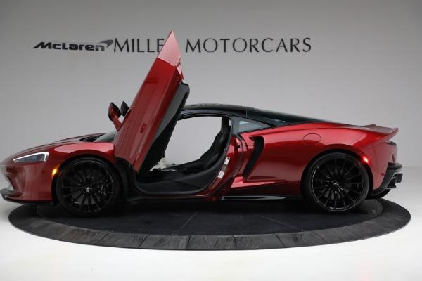 New 2021 McLaren GT for sale $217,275 at Bugatti of Greenwich in Greenwich CT 06830 14