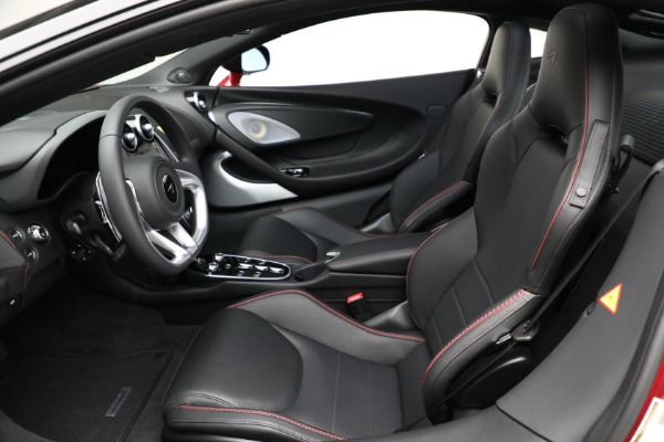 New 2021 McLaren GT Luxe for sale $217,275 at Bugatti of Greenwich in Greenwich CT 06830 21