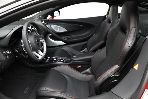 New 2021 McLaren GT for sale $217,275 at Bugatti of Greenwich in Greenwich CT 06830 21