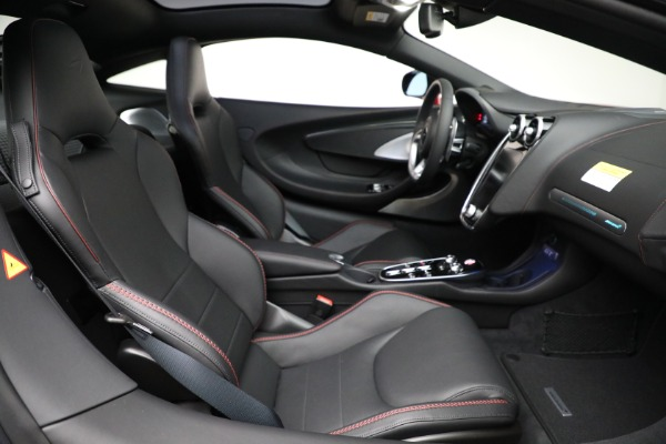 New 2021 McLaren GT Luxe for sale $217,275 at Bugatti of Greenwich in Greenwich CT 06830 24