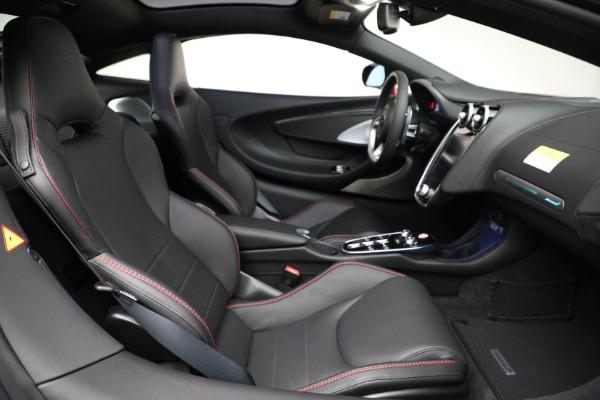 New 2021 McLaren GT for sale $217,275 at Bugatti of Greenwich in Greenwich CT 06830 24