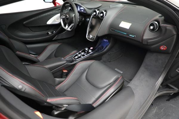 New 2021 McLaren GT for sale $217,275 at Bugatti of Greenwich in Greenwich CT 06830 25