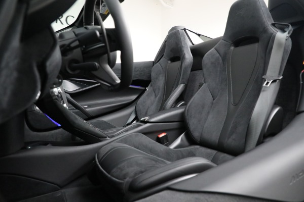Used 2020 McLaren 720S Spider for sale $334,900 at Bugatti of Greenwich in Greenwich CT 06830 26