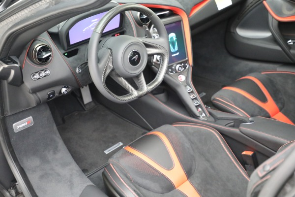 New 2021 McLaren 720S Performance for sale $344,500 at Bugatti of Greenwich in Greenwich CT 06830 28