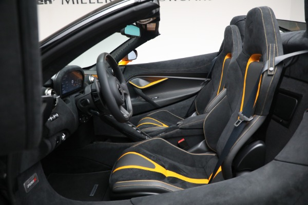 New 2021 McLaren 720S Spider for sale $378,110 at Bugatti of Greenwich in Greenwich CT 06830 25