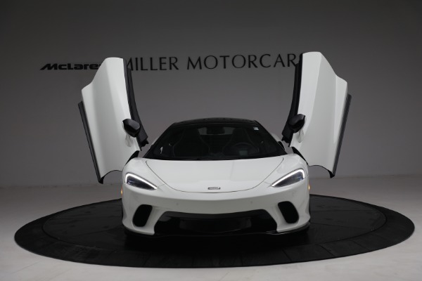 New 2021 McLaren GT Luxe for sale $217,205 at Bugatti of Greenwich in Greenwich CT 06830 13