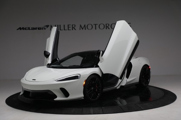 New 2021 McLaren GT Luxe for sale $217,205 at Bugatti of Greenwich in Greenwich CT 06830 14