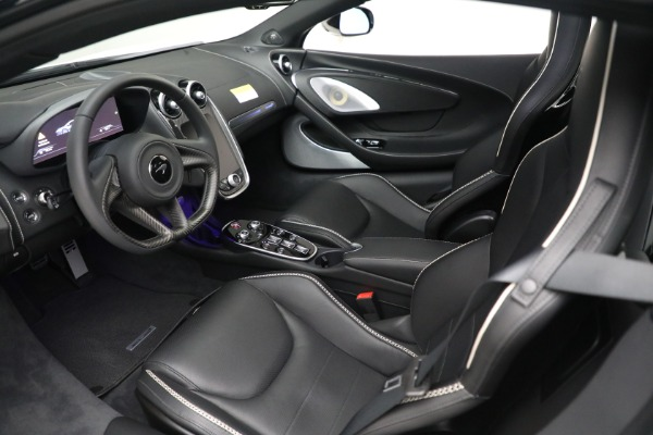 New 2021 McLaren GT Luxe for sale $217,205 at Bugatti of Greenwich in Greenwich CT 06830 17