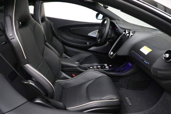 New 2021 McLaren GT Luxe for sale $217,205 at Bugatti of Greenwich in Greenwich CT 06830 22