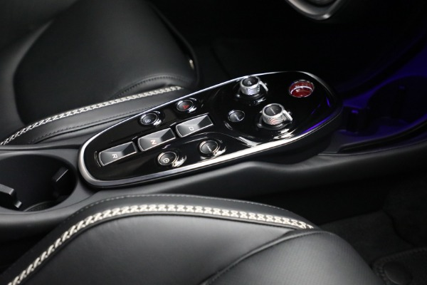 New 2021 McLaren GT Luxe for sale $217,205 at Bugatti of Greenwich in Greenwich CT 06830 25