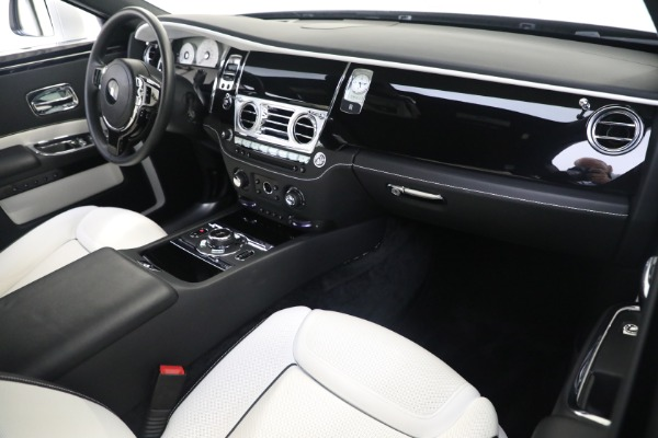 Used 2017 Rolls-Royce Ghost for sale $219,900 at Bugatti of Greenwich in Greenwich CT 06830 12