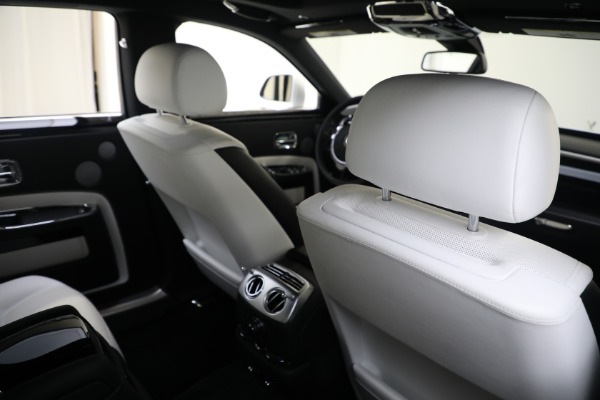 Used 2017 Rolls-Royce Ghost for sale $219,900 at Bugatti of Greenwich in Greenwich CT 06830 18