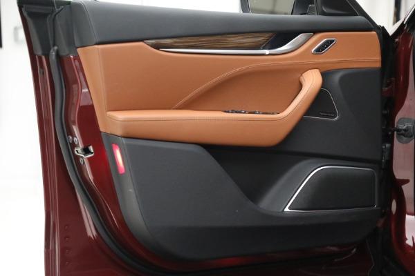 Used 2018 Maserati Levante GranSport for sale Sold at Bugatti of Greenwich in Greenwich CT 06830 20