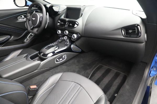 New 2021 Aston Martin Vantage Roadster for sale $186,386 at Bugatti of Greenwich in Greenwich CT 06830 23