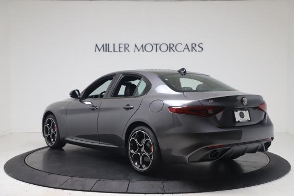 New 2022 Alfa Romeo Giulia Veloce for sale $52,845 at Bugatti of Greenwich in Greenwich CT 06830 5