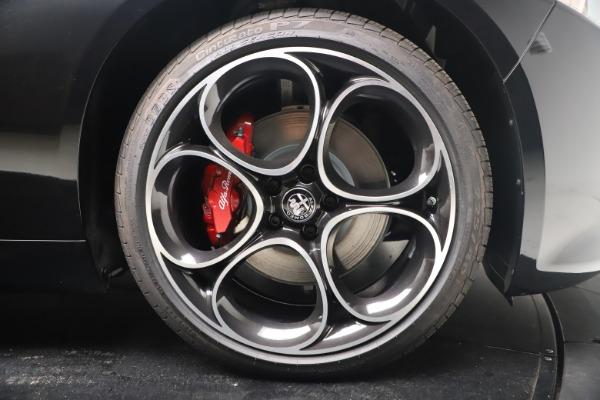 New 2022 Alfa Romeo Giulia Veloce for sale $52,045 at Bugatti of Greenwich in Greenwich CT 06830 22