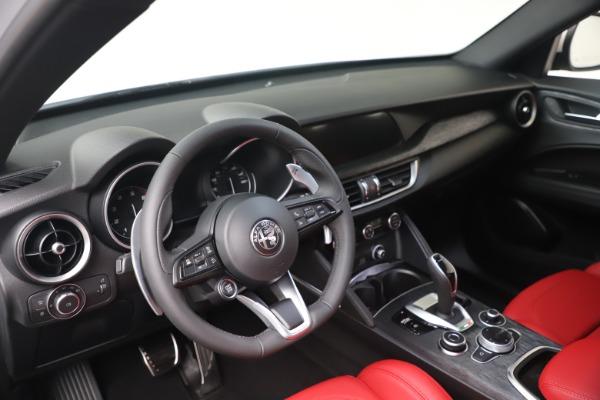 New 2022 Alfa Romeo Stelvio Sprint for sale $52,245 at Bugatti of Greenwich in Greenwich CT 06830 13