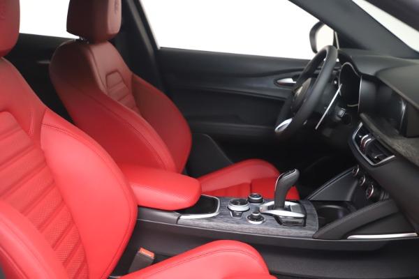 New 2022 Alfa Romeo Stelvio Sprint for sale $52,245 at Bugatti of Greenwich in Greenwich CT 06830 19
