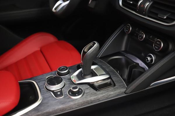 New 2022 Alfa Romeo Stelvio Sprint for sale $52,245 at Bugatti of Greenwich in Greenwich CT 06830 22