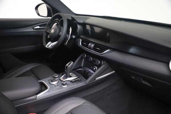 New 2022 Alfa Romeo Stelvio Sprint for sale $52,305 at Bugatti of Greenwich in Greenwich CT 06830 18