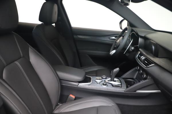 New 2022 Alfa Romeo Stelvio Sprint for sale $52,305 at Bugatti of Greenwich in Greenwich CT 06830 19
