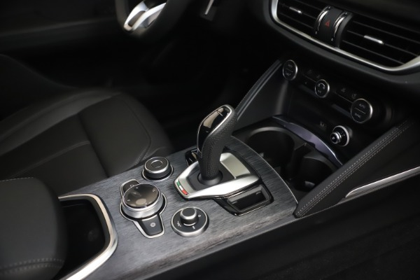 New 2022 Alfa Romeo Stelvio Sprint for sale $52,305 at Bugatti of Greenwich in Greenwich CT 06830 22