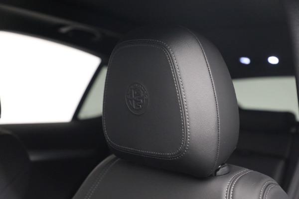 New 2022 Alfa Romeo Stelvio Veloce for sale $56,955 at Bugatti of Greenwich in Greenwich CT 06830 16