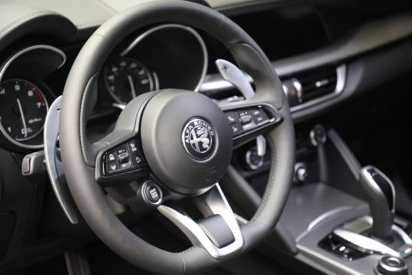 New 2022 Alfa Romeo Stelvio Veloce for sale $56,955 at Bugatti of Greenwich in Greenwich CT 06830 17