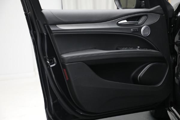 New 2022 Alfa Romeo Stelvio Veloce for sale $56,955 at Bugatti of Greenwich in Greenwich CT 06830 20
