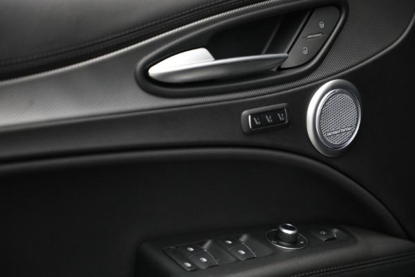 New 2022 Alfa Romeo Stelvio Veloce for sale $56,955 at Bugatti of Greenwich in Greenwich CT 06830 21