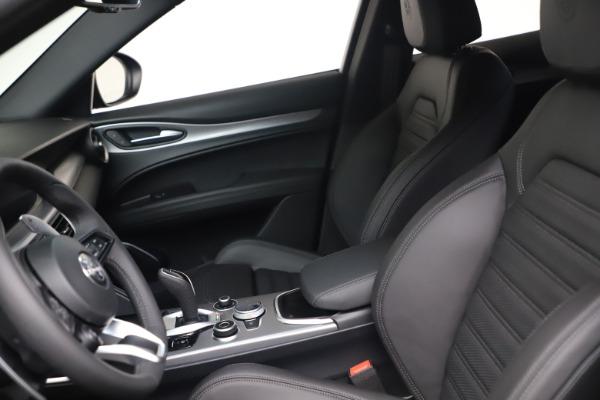 New 2022 Alfa Romeo Stelvio Veloce for sale $55,155 at Bugatti of Greenwich in Greenwich CT 06830 14