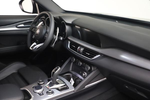 New 2022 Alfa Romeo Stelvio Veloce for sale $55,155 at Bugatti of Greenwich in Greenwich CT 06830 18
