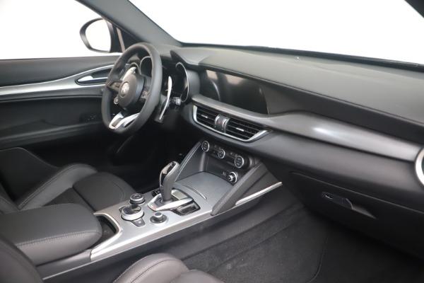 New 2022 Alfa Romeo Stelvio Veloce for sale Sold at Bugatti of Greenwich in Greenwich CT 06830 18