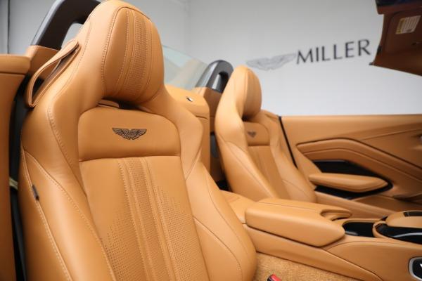 New 2021 Aston Martin Vantage Roadster for sale $174,586 at Bugatti of Greenwich in Greenwich CT 06830 17