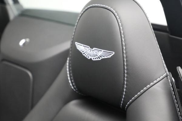 New 2021 Aston Martin Vantage Roadster for sale $180,286 at Bugatti of Greenwich in Greenwich CT 06830 17