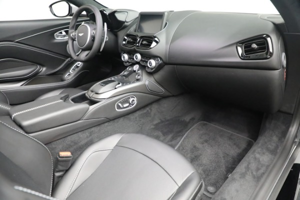 New 2021 Aston Martin Vantage Roadster for sale $180,286 at Bugatti of Greenwich in Greenwich CT 06830 18